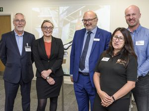 Johnathan Dudley of Crowe alongside BCIMO hosts Factory of the Future event at Black Country House. Richard Jones and Naomi Arblaster, BCIMO, Johnathan Dudley, National Head of Manufacturing, Crowe, Hana Robertson, HanaTech, and Tim Warrington, Bots.co.uk