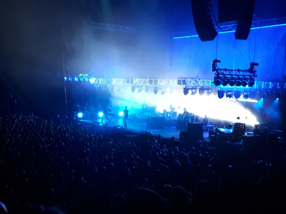 Editors hometown show at Arena Birmingham eventually sparks into life - review
