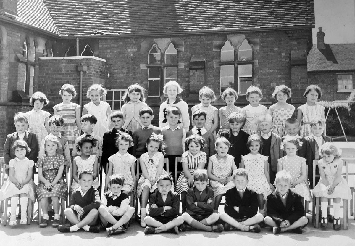Ray's 1960s picture of Stafford schoolchildren.