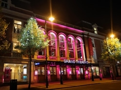 Uncertainty reigns for pubs, restaurants and theatres amid coronavirus advice