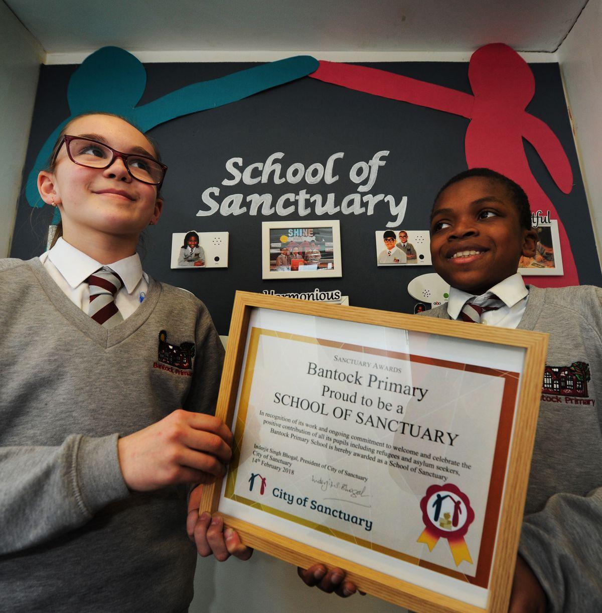 Gabija Lingyte (left) and Dammy Ope, both aged 10 at Bantock primary school