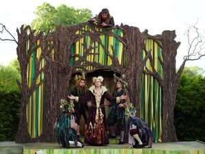 The Lord Chamberlain's Men performing Shakespeare's A Midsummer Night's Dream