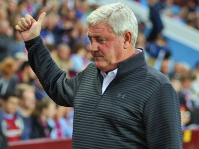 Steve Bruce calls on improving Aston Villa to finish the month in style