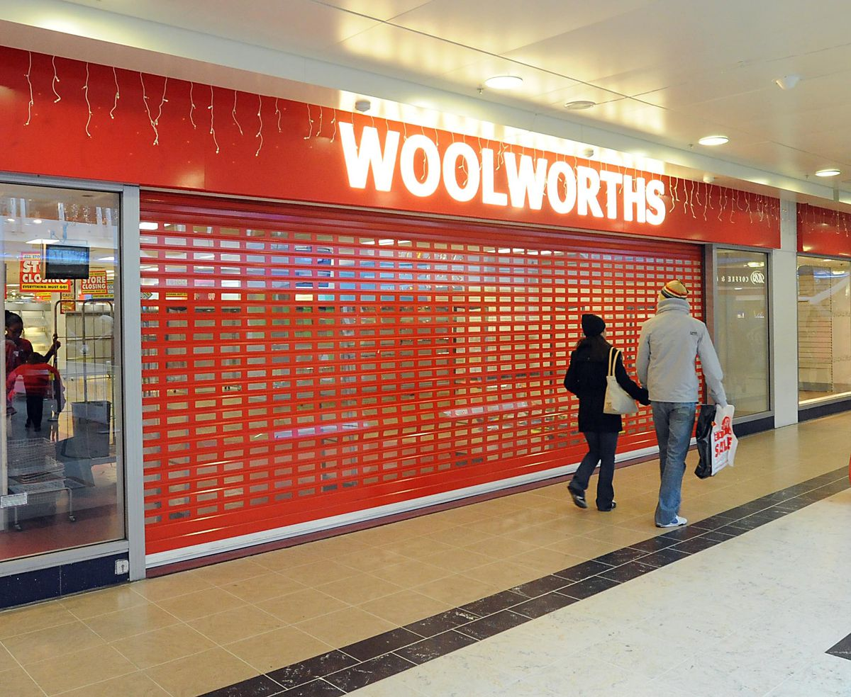 The shutters come down on Woolworths in Wolverhampton for the last time