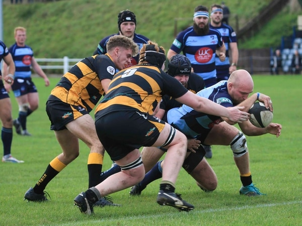 DK get back on track as their rivals stutter