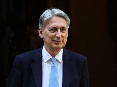 Hammond hits out at Johnson over no-deal Brexit leaks