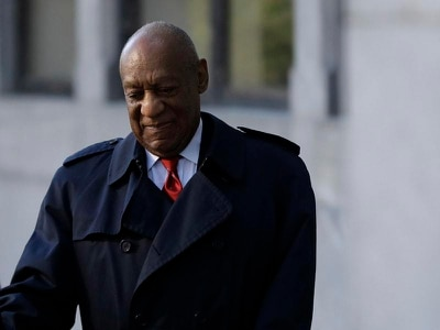Cosby jury reviews star defence witness's evidence as deliberations continue
