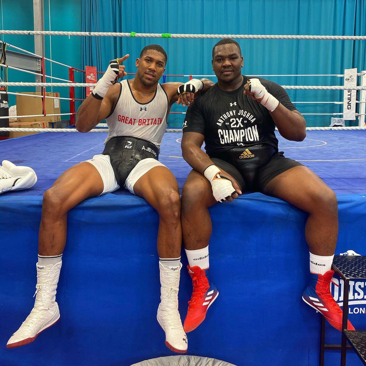 Anthony Joshua with Wolverhampton heavyweight sparring partner Hosea Stewart