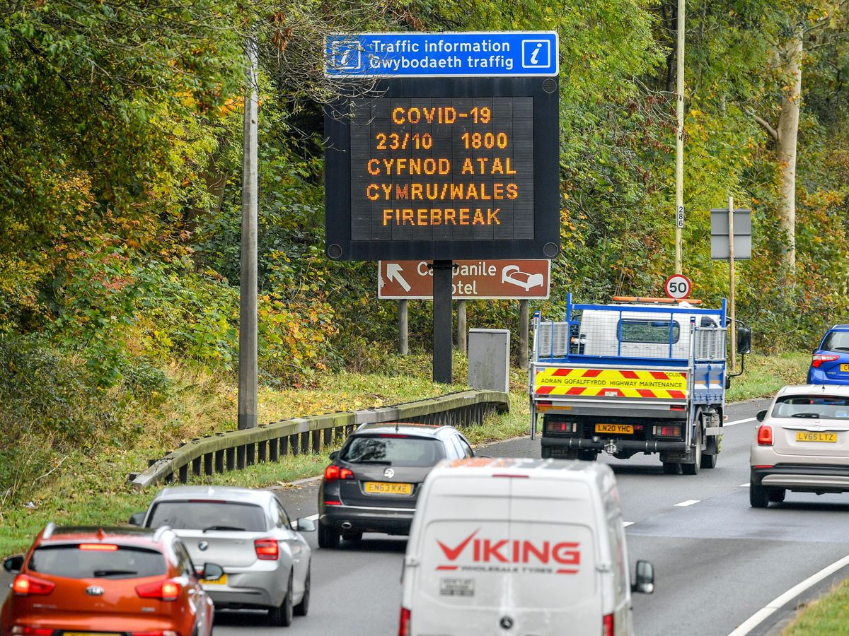 A matrix sign on the A48(M) heading towards Cardiff informs motorists of the upcoming restrictions
