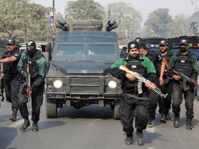 Pakistan court sentences serial killer to death