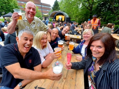 Cheers! Crowds turn out for Wolverhampton Food and Drink Festival - PICTURES and VIDEO