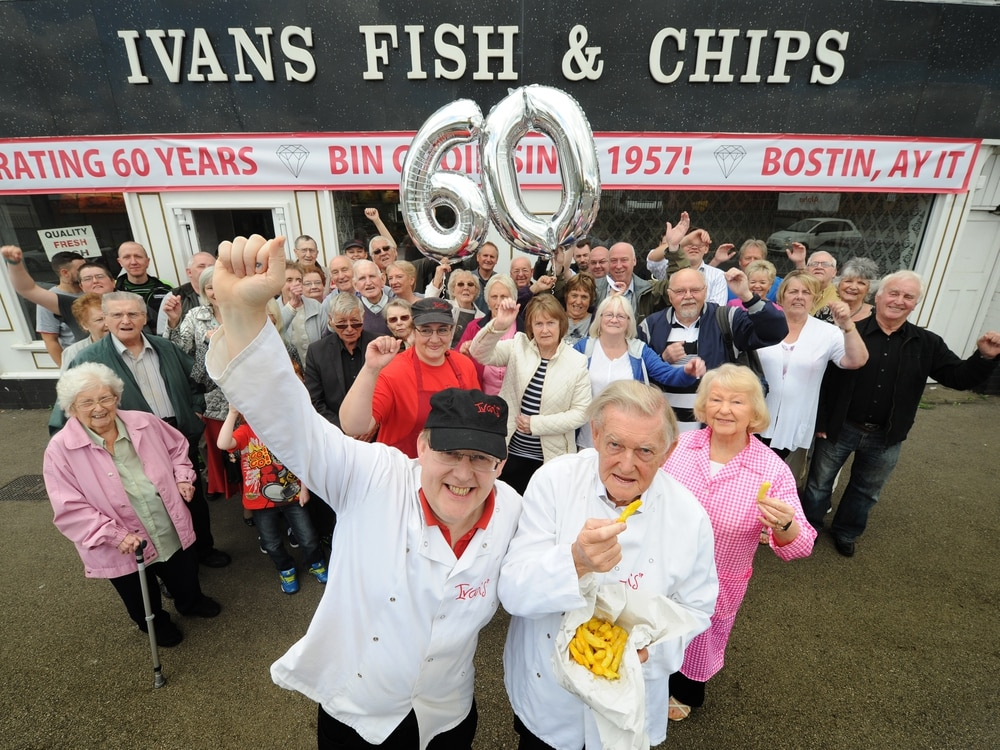 Family celebrate 60 years of chippie - with video