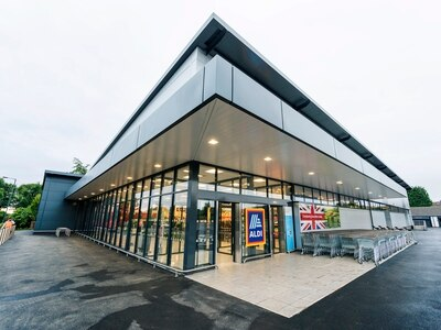 New Aldi opens in Willenhall