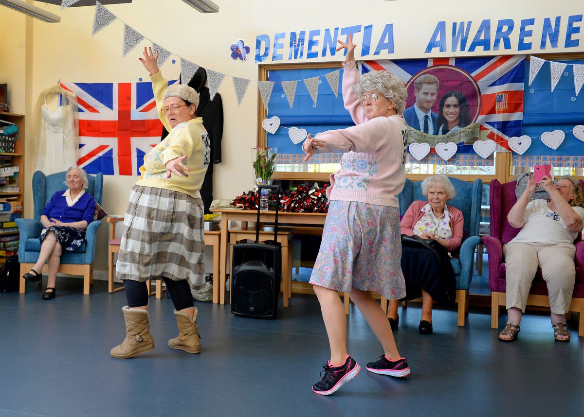 The Fizzogs performing and meeting service users at Brett Young Gateway