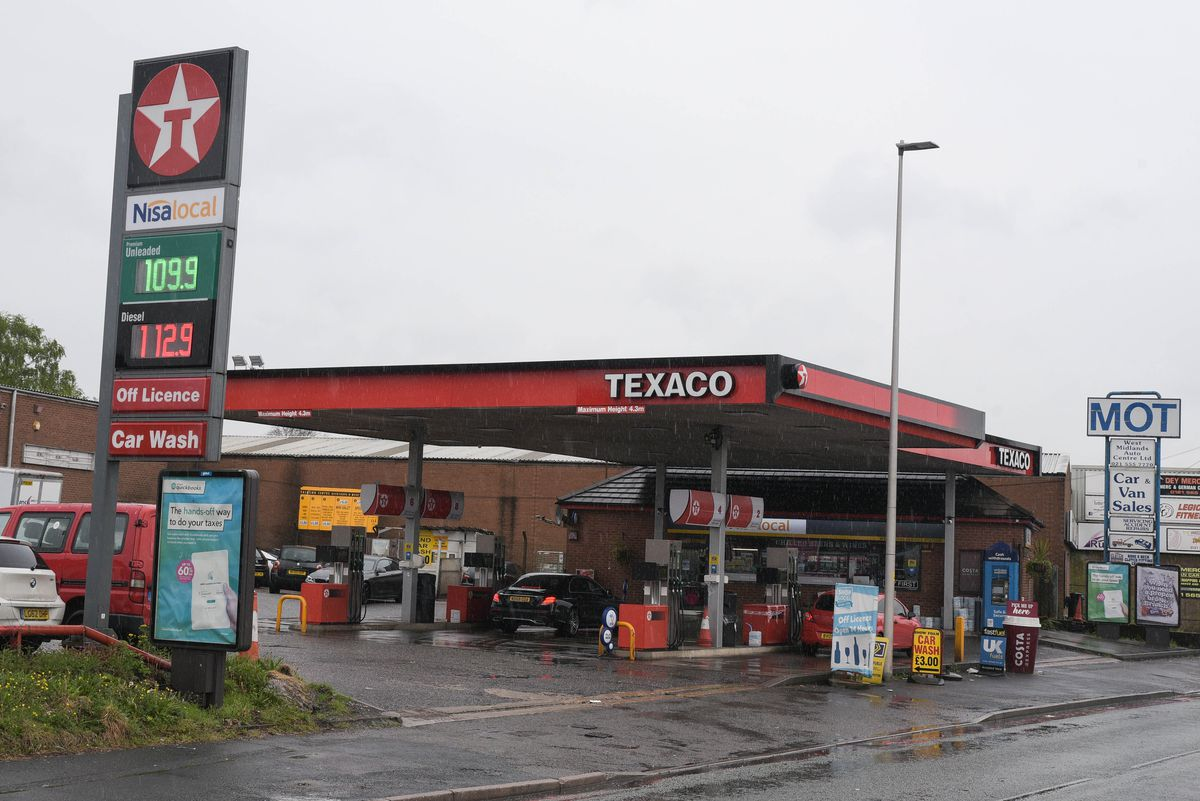 The victim was stabbed on the forecourt of this Texaco garage on Oldbury Road. Photo: SnapperSK