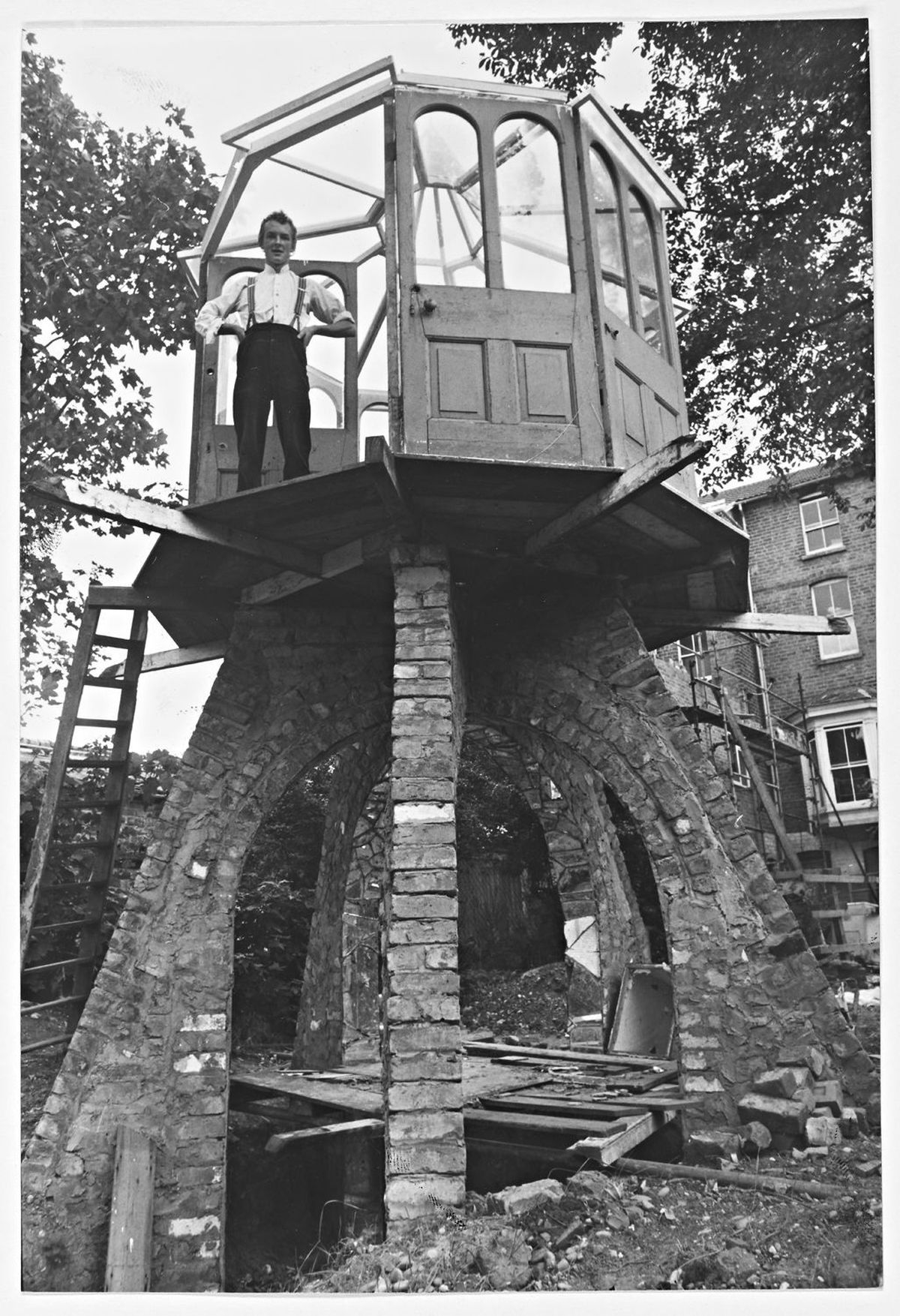 Wolverhampton Council objected to John Crosby's summer house. The photographer is J. S.