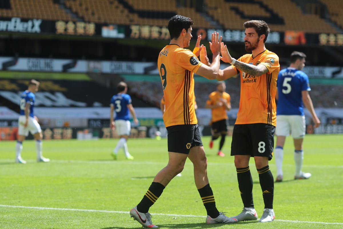Raul Jimenez of Wolverhampton Wanderers celebrates after scoring a penalty to make it 1-0 with Ruben Neves (AMA)