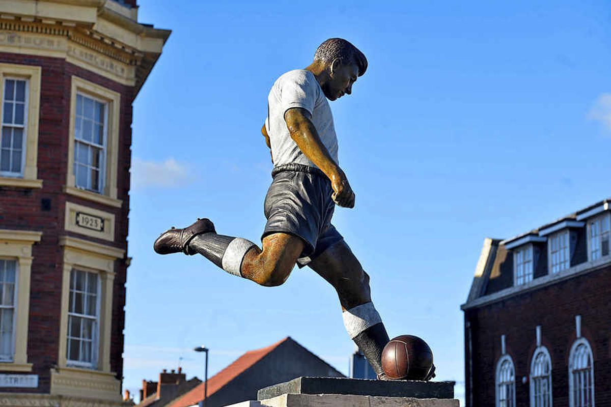 The statue of Duncan Edwards erected last year in Dudley market place