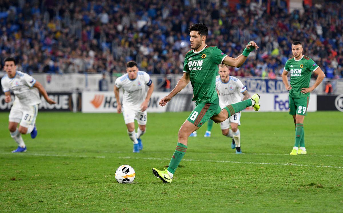 Raul Jimenez of Wolverhampton Wanderers scores a goal to make it 1-2 from a penalty kick. (AMA/Sam Bagnall)