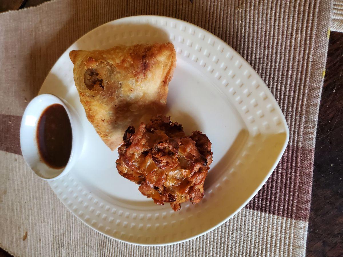 Pakora and samosa
