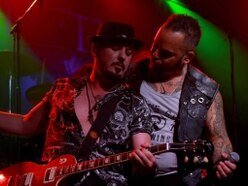 Geoff Tate and Gin Annie, Robin 2, Bilston - in pictures