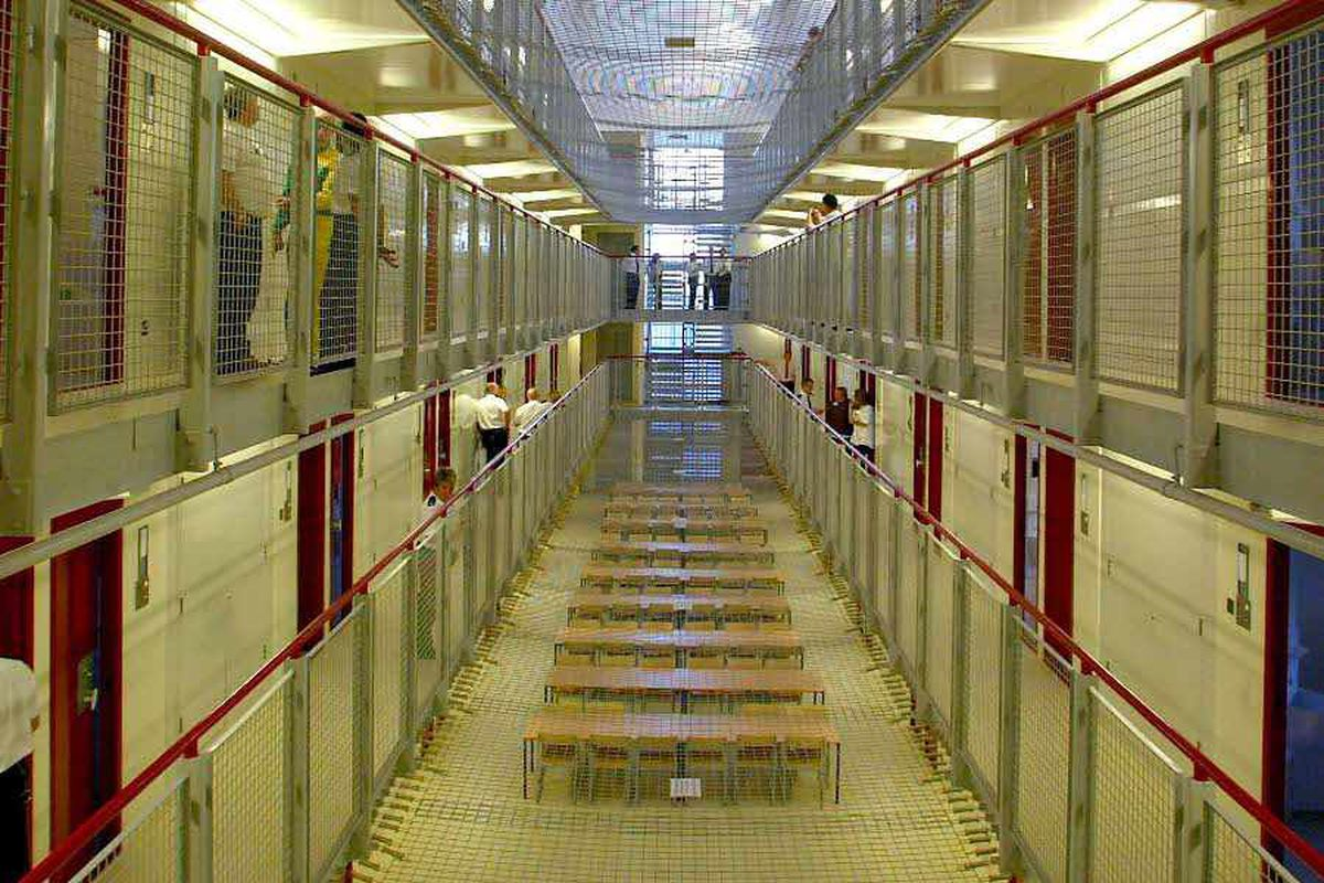 Midlands prisoners flout new mobile phones ban