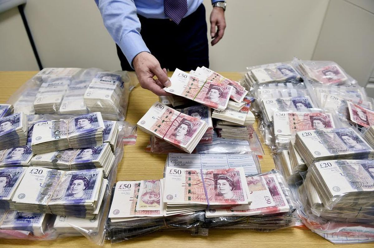 £500,000 in crisp banknotes was recovered by police