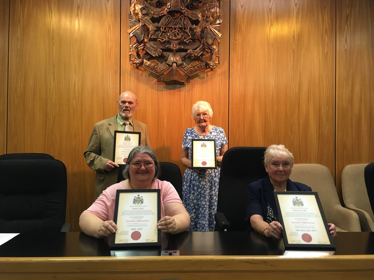Honorary Alderman Gordon Alcott And Honorary Alderwomen Diane Todd, Zaphne Stretton And Patricia Ansell in the Cannock Chase Council chamber