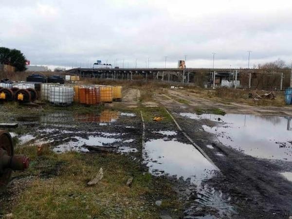5,000 sign petition against Wednesbury railway sleeper factory plans