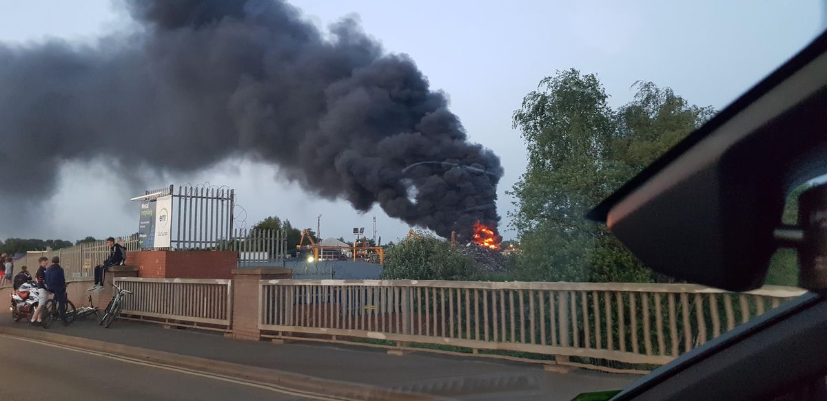 The fire at EMR Recycling in Darlaston. Photo: Tess.