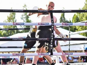 Andy Owen (facing camera) goes up against Ryan Hibbert, in the car park at the Sheffield Arena, on Fightzone.