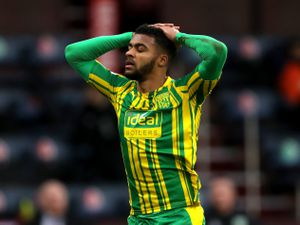 Darnell Furlong of West Bromwich Albion reacts and puts his hands on his head after an Albion chance to score is missed. (AMA)
