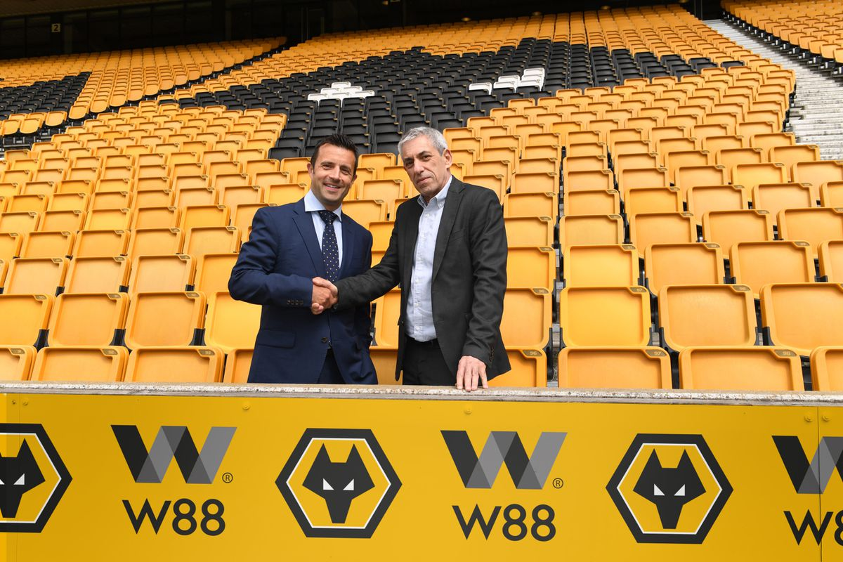 Wolves managing director Laurie Dalrymple (left) and W88 business development manager Hilly Ehrlich.