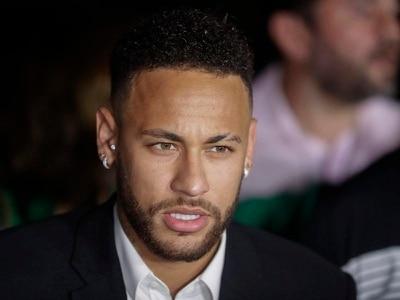 Brazilian model accusing Neymar of rape speaks to police again