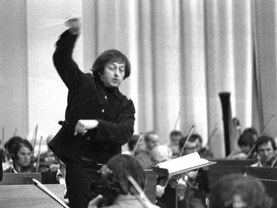 TV Academy apologises for Emmy gaffe over late conductor Andre Previn