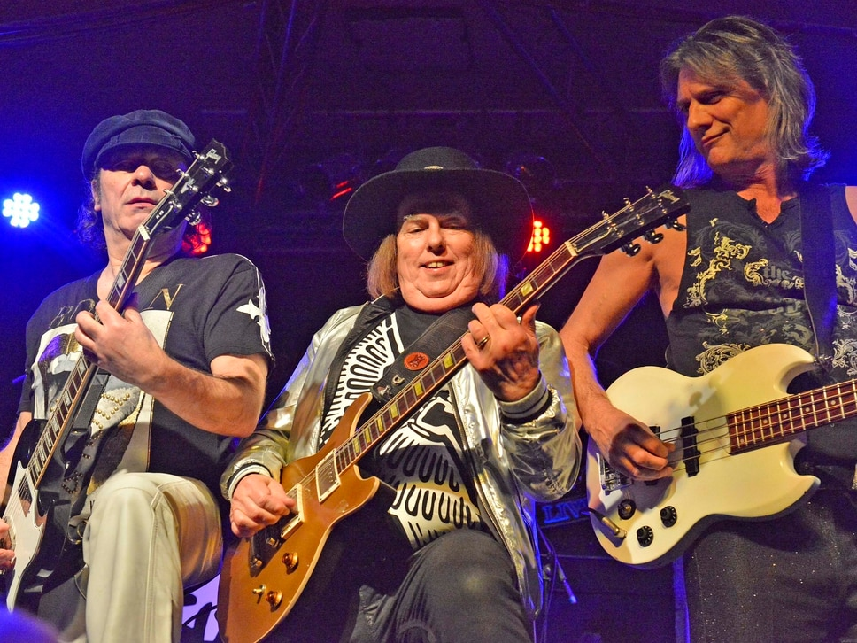 Slade rock the Robin in hometown gig - with PICTURES