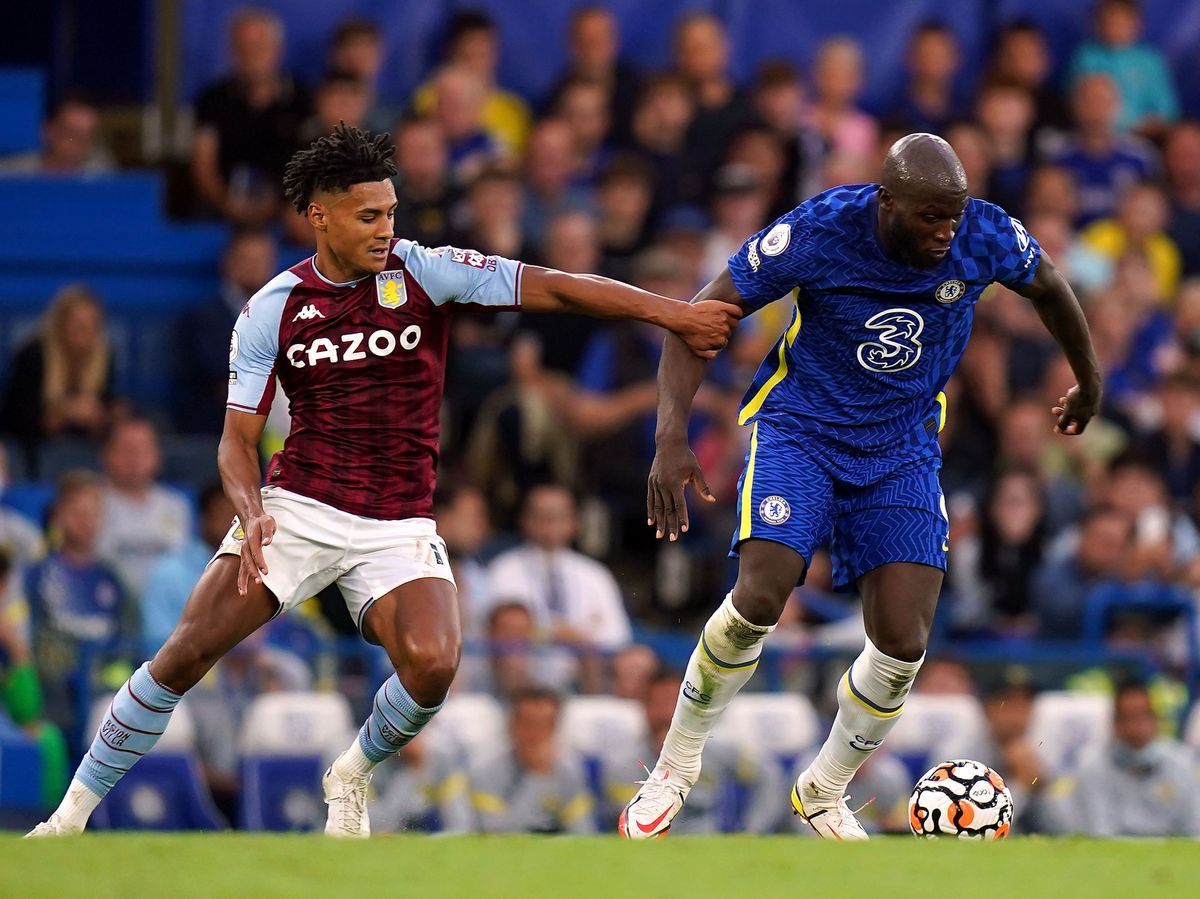 Chelsea's Romelu Lukaku (right) and Aston Villa's Ollie Watkins battle for the ball