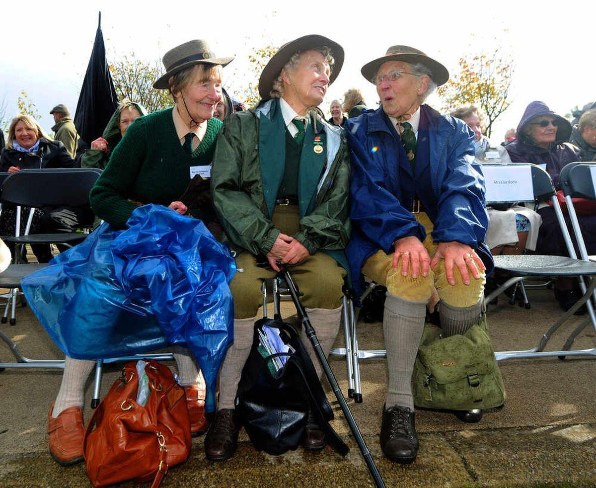 Land girls Iris Halfpenny, Iris Bridlington and Dorothy Taylor.