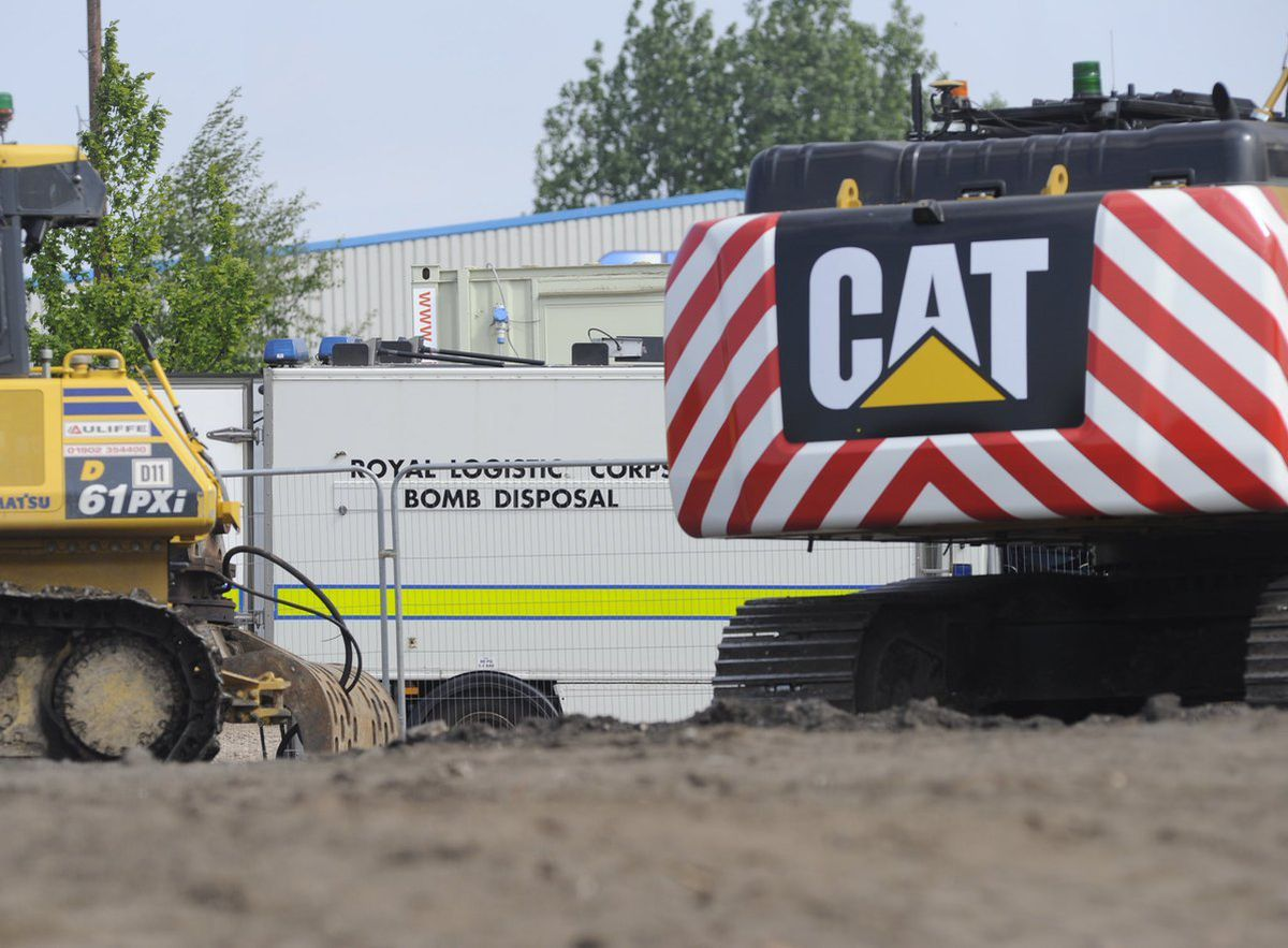 Bomb disposal teams in Burntwood after mortars were found. Picture: @snappersk