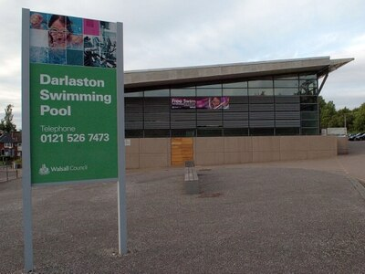 Wednesbury headteacher claims pupils' safety 'put at risk' at Darlaston swimming pool