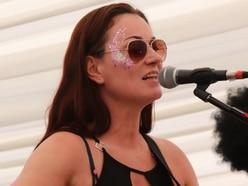 Wolverhampton unsigned artist Elizabeth Fields gives 100,000 Welcomes