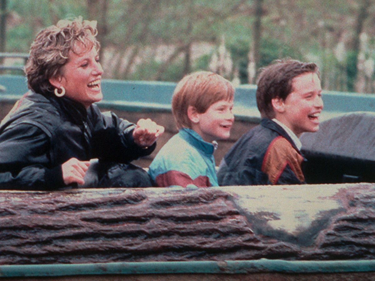 Diana enjoying a day out at Thorpe Park with Harry and William