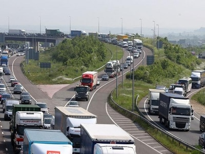 Traffic jams cost UK drivers £9bn in a year