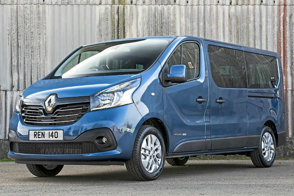 renault trafic passenger review fits the bill on city streets and open roads express star. Black Bedroom Furniture Sets. Home Design Ideas
