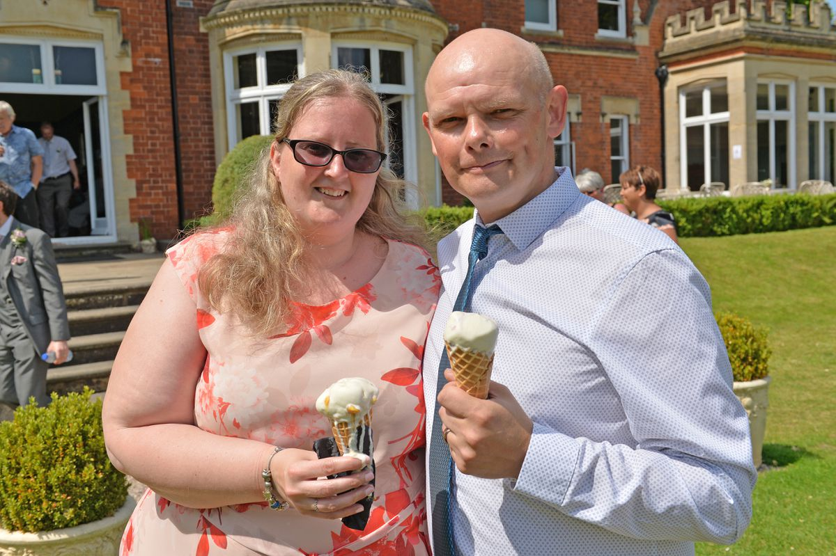 Michelle and Alan Weaver had had their wedding with restrictions back in June and were delighted to be part of a wedding with no restrictions