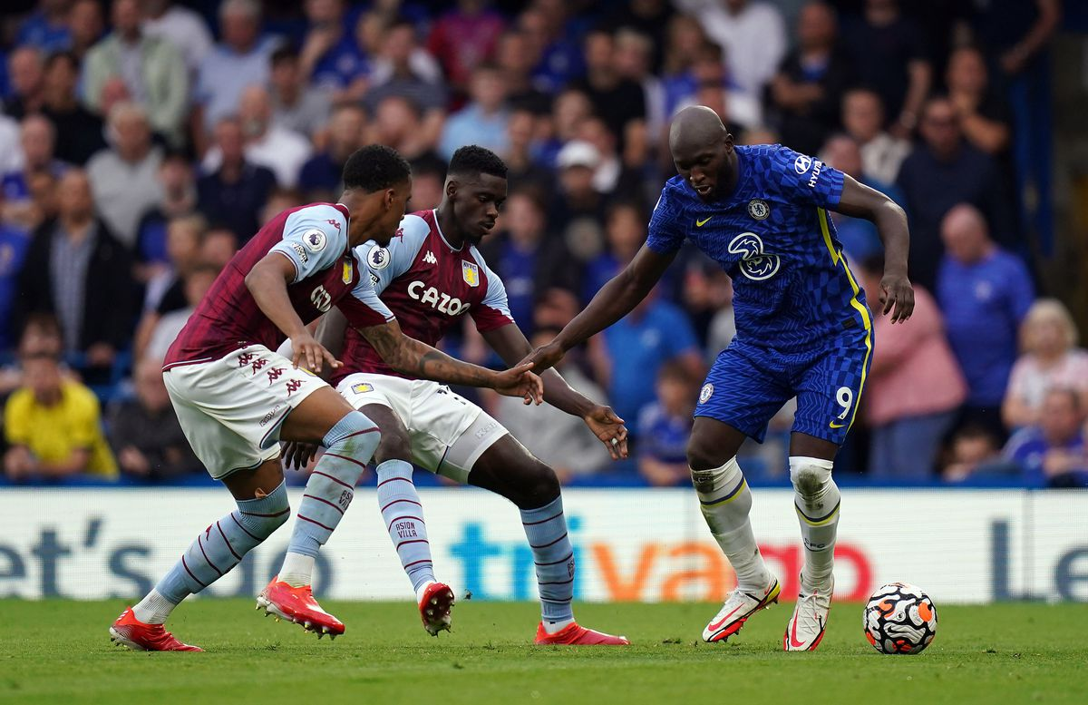 Chelsea's Romelu Lukaku up against Aston Villa's Ezri Konsa and Axel Tuanzebe