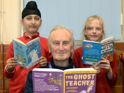 How an England cricket legend is helping Wolverhampton schoolchildren to read