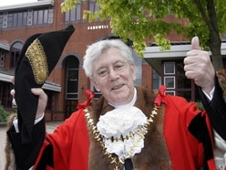 Emotional farewell to former mayor and 'Mr Wednesbury' Bill Archer