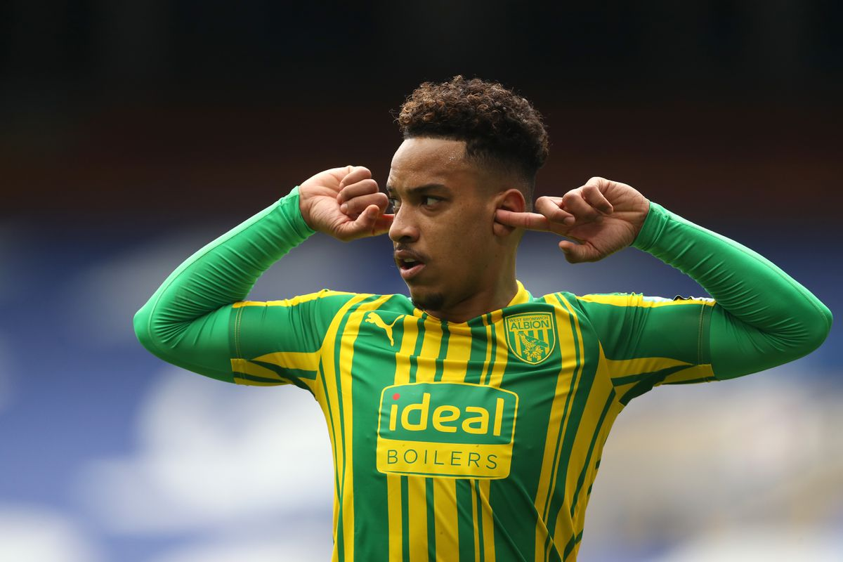 Matheus Pereira of West Bromwich Albion puts his fingers in his ears as he celebrates after scores a goal to make it 1-1. (AMA)