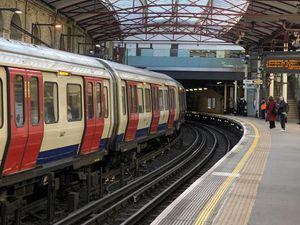 An empty platform at Farringdon Station